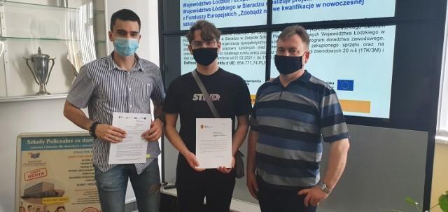 Stypendia dla 81 uczniów z powiatu sieradzkiego wręczone