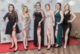 Studniówki 2020 na Pomorzu. Krótkie, długie, z falbanami. Zobaczcie najpiękniejsze suknie! [ZDJĘCIA]