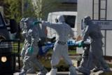 Koronawirus. Zakażeni pacjenci centrum opieki długoterminowej Salus w Kaliszu ewakuowani do szpitala w Wolicy. ZDJĘCIA, WIDEO