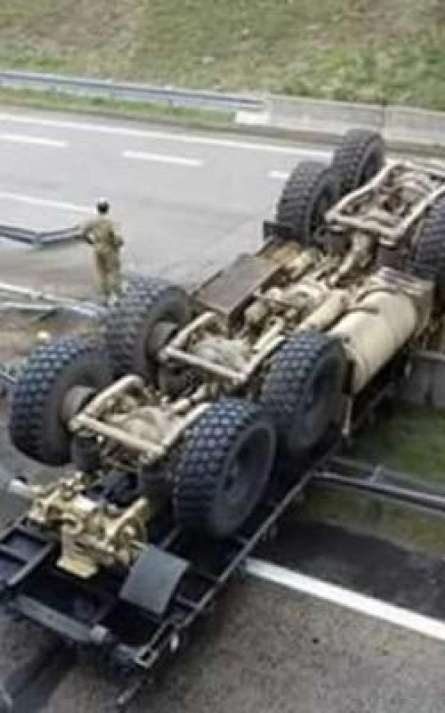 Wypadek amerykańskiej ciężarówki