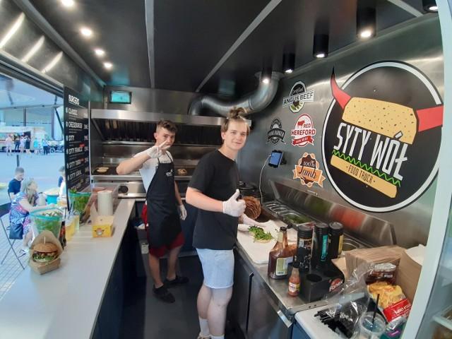 Festiwal food trucków trwa