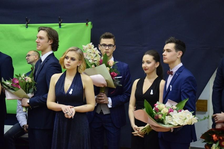 Częstochowa: Studniówka 2018 Liceum Ogólnokształcącego im. C.K. Norwida [ZDJĘCIA]