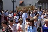 Boże Ciało 2021 w Skokach. Tłum wziął udział w procesji, która przeszła ulicami miasta