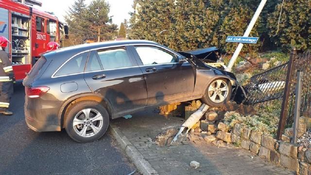 Ranny kierowca trafił do szpitala.