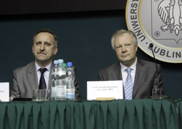 Kandydat na rektora UMCS prof. Stanisław Michałowski (z prawej)