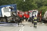 Śmiertelny wypadek w Gniechowicach, nie żyje kierowca tira