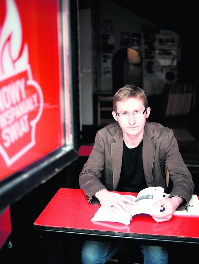 """Sławomir Sierakowski mówi o tym, czym zajmują się teraz """"Krytyka Polityczna"""" i jego ludzie"""