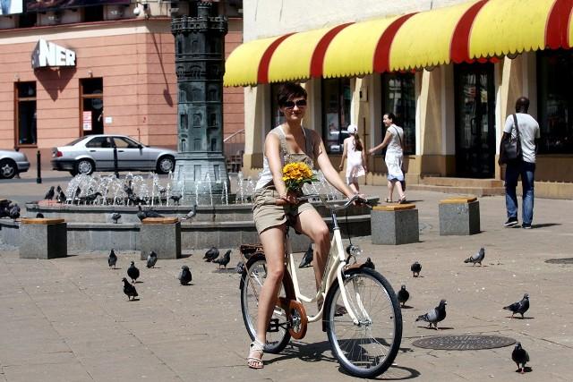 Zwycięzca otrzyma rower miejski z ramą retro oraz siodełkiem na sprężynach.