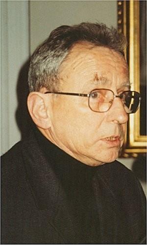 Andrzej Mencwel jest profesorem w Instytucie Kultury Polskiej na Wydziale Polonistyki Uniwersytetu Warszawskiego