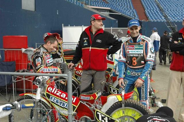 Tomasz Gollob (z prawej) nadal myśli o tytule mistrza świata