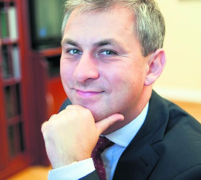 Grzegorz Napieralski walczy nowymi spotami o poparcie