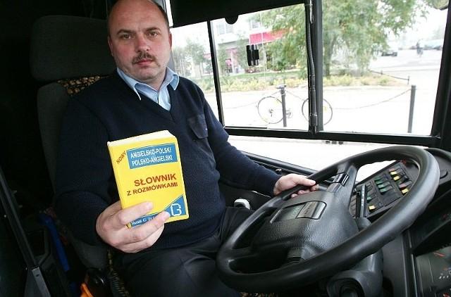 Kierowca Mariusz Baraniecki chce uczyć się angielskiego
