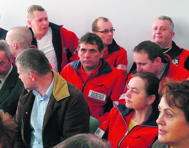 Na sesję przyszła liczna grupa pracowników gorlickiego pogotowia ratunkowego