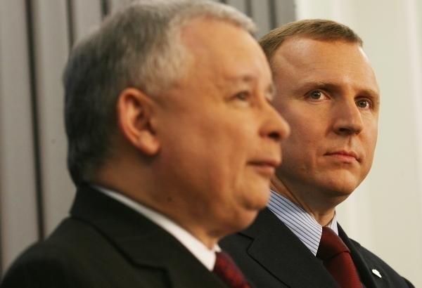 Jarosław Kaczyński, ucierając nosa Jackowi Kurskiemu, zdaje się mówić: PiS to ja