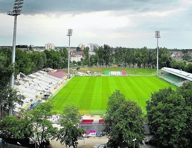 Kameralny stadion na Oporowskiej ma swój klimat