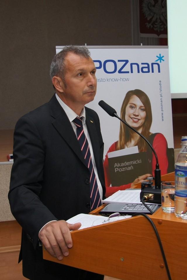 Profesor Konstantinos Georgiadis, dziekan honorowy Międzynarodowej Akademii Olimpijskiej w Olimpii.