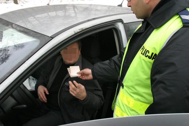 Policja będzie surowiej karać kierowców za wykroczenia drogowe