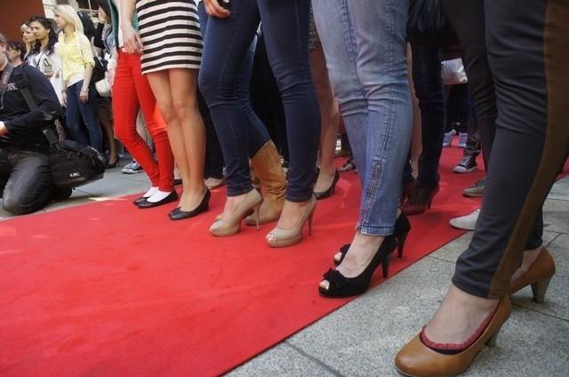 W sobotę na dziedzińcu Szkoły Baletowej w Poznaniu rozpoczął się casting do programu telewizyjnego Top Model.