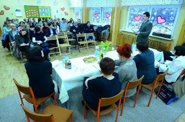 Spotkanie rodziców z urzędnikami w SP 34.
