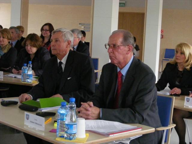 Uchwały o pomocy dla gminy Mosina i przekazaniu uprawnień   gminie Tarnowo Podgórne radni podjęli jednogłośnie.