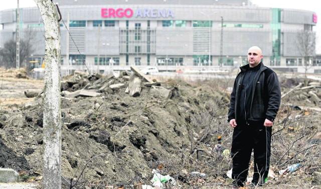 Na zlikwidowanym parkingu, który prowadził pan Krzysztof, mieściło się 200 samochodów