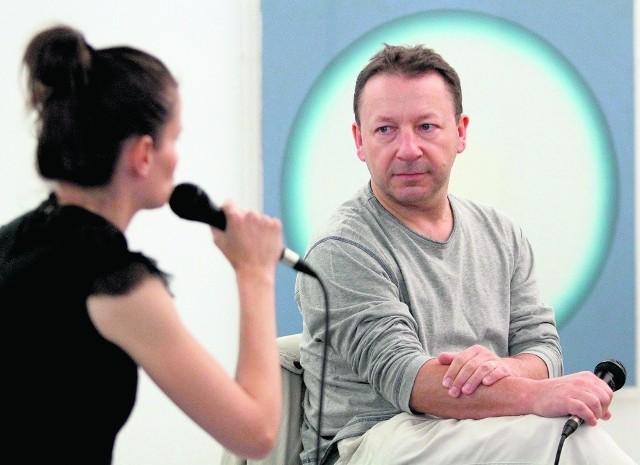 Zbigniew Zamachowski:  - Ja się boję seriali. Zagrać dobrze - źle. Zagrać źle - jeszcze gorzej