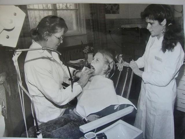 W gabinecie stomatologicznym. Lata 70-te