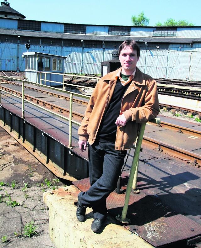 Tomasz Makosz w katowickiej lokomotywowni