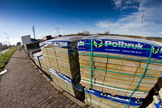 Można odzyskać  VAT w takich materiałach jak: cegły, dachówki, cement, wapno, gips, okna, drzwi, tapety