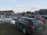 Na Borowskiej wprowadzili opłaty za parking i... zabrakło miejsc!