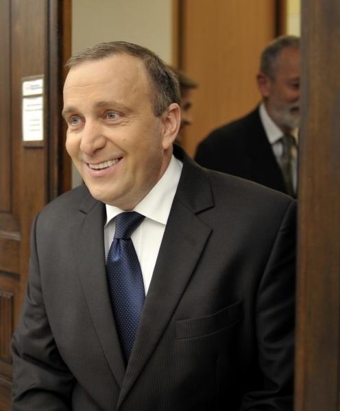 Grzegorz Schetyna okazał się równie sprawnym biznesmenem, co politykiem
