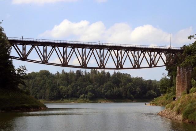 Most nad Jeziorem Pilchowickim