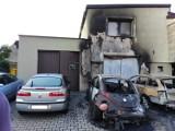 Podpalenie samochodów w Gubinie w okolicach warsztatu. Trzy auta oraz dom zostały uszkodzone przez ogień. Policja poszukuje sprawcy