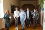 I Liceum Ogólnokształcące imienia Mikołaja Reja w Jędrzejowie rozpoczęło rok szkolny. Było... wyjątkowo [WIDEO, ZDJĘCIA]