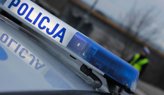 Policja prosi kierowców o zachowanie ostrożności.