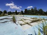 Chrzanów. Nowoczesne baseny i stadion miejski powstaną na Kątach. Zobaczcie, jak tam jest teraz. ZDJĘCIA