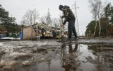 Kłopoty handlowców przy Wiślanej. Wielka woda po roztopach i budowa stacji [zdjęcia]