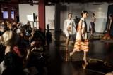 Muzeum Azji i Pacyfiku. Intymny, egzotyczny pokaz mody indonezyjskiej w Warszawie [ZDJĘCIA]