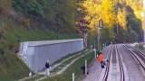 Gdańsk. Na torach PKM młodzież układała kamienie. Sprawę bada policja