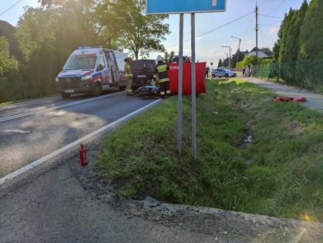 Wypadek na DK 52; droga zablokowana, są objazdy