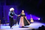 Kabaret Hrabi wystąpił w Amfiteatrze Muzeum Etnograficznego w Toruniu. Zobacz, jak było! [zdjęcia]