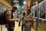 Akcelerator Kultury w Kaliszu. Wystawa fotografików ze stowarzyszenia Poza Kadrem ZDJĘCIA