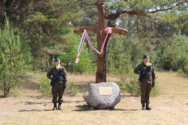 Krzyż w miejscu stalagu Hammerstein
