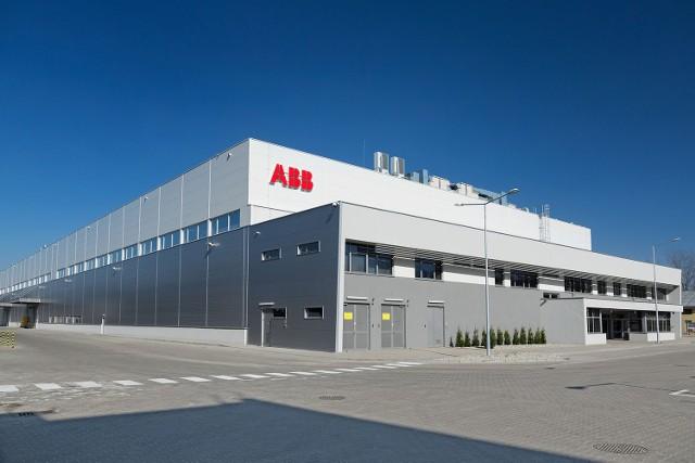 Koncern ABB otworzył w Łodzi nową fabrykę, w której produkowane będą m.in. komponenty do transformatorów