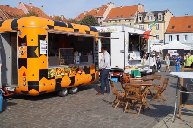 Foodtrucki zaparkują na Rynku