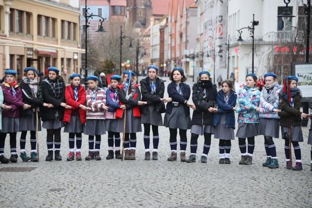 Harcerski Bratni Krąg na legnickim Rynku.