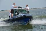 Opolszczyzna. Policjanci w motorówkach patrolują największe jeziora oraz tereny wokół nich. Dbają o bezpieczeństwo i walczą z kłusownikami