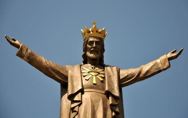Budowa pomnika kosztowała 300 tys. zł. Sfinansowali go mieszkańcy. Działka, na której stoi, miasto przekazało za darmo.