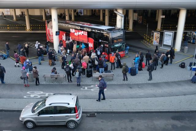 Polski Bus z Jeleniej Góry zawiezie cię do czterech kolejnych miast
