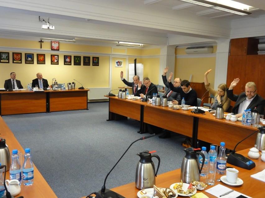 Radni PiS głosowali za odrzuceniem uchwały powiększającej Zarząd Powiatu Gdańskiego